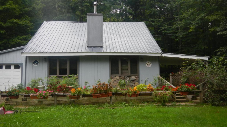 106 Baxter Rd, Pleasant Mount, PA 18453