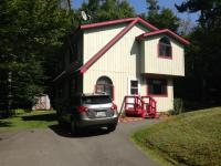 1027 Iroquois Ave, Gouldsboro, PA 18424
