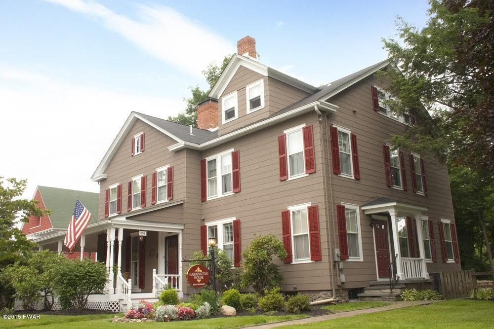 208 W. Harford St, Milford, PA 18337