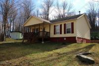 668 Maple Grove Rd, Moscow, PA 18444