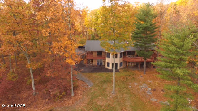 56 Beverly Dr, Lakeville, PA 18438