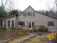 135 Lookout Dr, Lords Valley, PA 18428