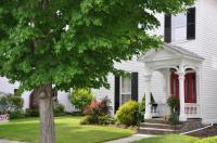 305 16th St, Honesdale, PA 18431