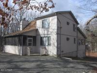 105 Acorn Ct, Lackawaxen, PA 18435