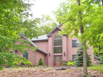 Photo of 1021 Sunrise Ter, Lake Ariel, PA 18436