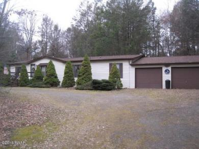 140 Sand Spring Dr, Greentown, PA 18426