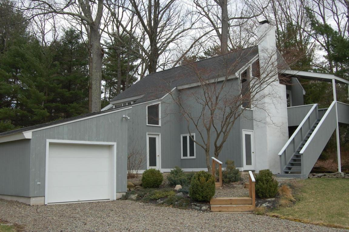 110 Fairway Bay, Lords Valley, PA 18428