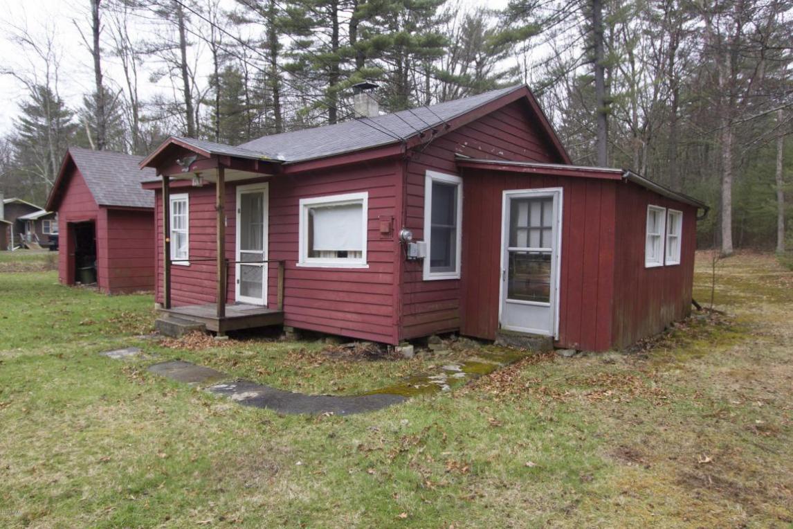 117 Mill Rd, Hawley, PA 18428