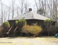 102 Hickory Cir, Greentown, PA 18426