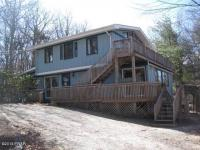 101 Crows Ct, Milford, PA 18337