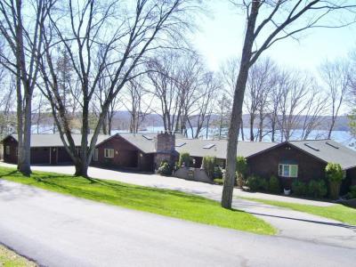 Photo of 2 Shore Line Dr, Lakeville, PA 18438