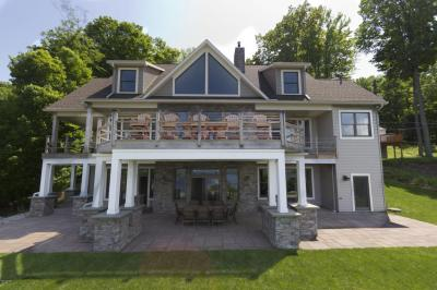 Photo of 109 Paupack Rd, Greentown, PA 18426
