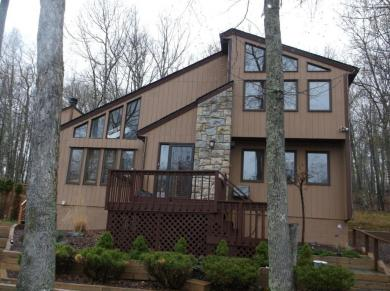 1114 Underhill Ct, Tamiment, PA 18371