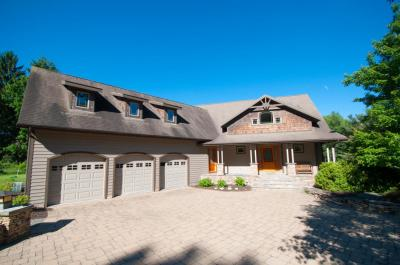 Photo of 169 Calico Point Dr, Paupack, PA 18451