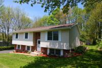 Hollow Dr, Roaring Brook Township, PA 18444