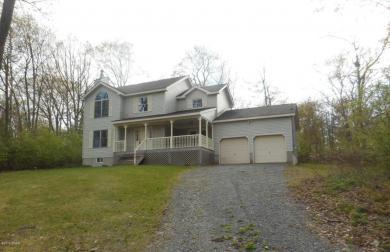 110 Hillview Pl, Shohola, PA 18458