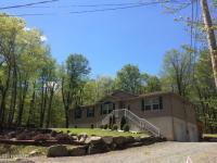 112 Lakeside Dr, Greentown, PA 18426