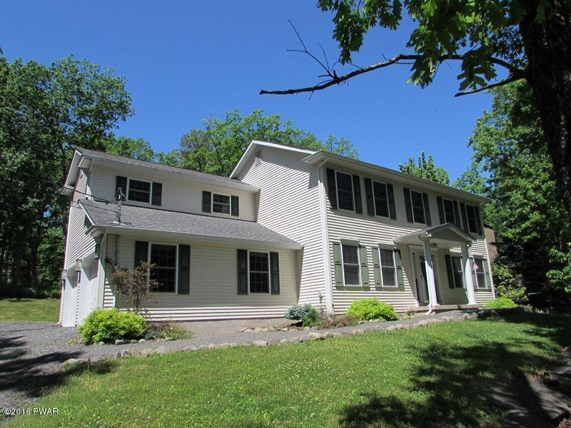 110 Corral Ln, Lords Valley, PA 18428