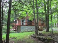 37 Maple Ln, Lake Ariel, PA 18436