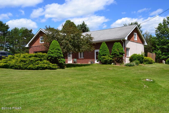 238 Bavarian Hill Rd, Beach Lake, PA 18405