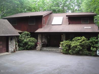 432 Canoebrook Dr, Lords Valley, PA 18428