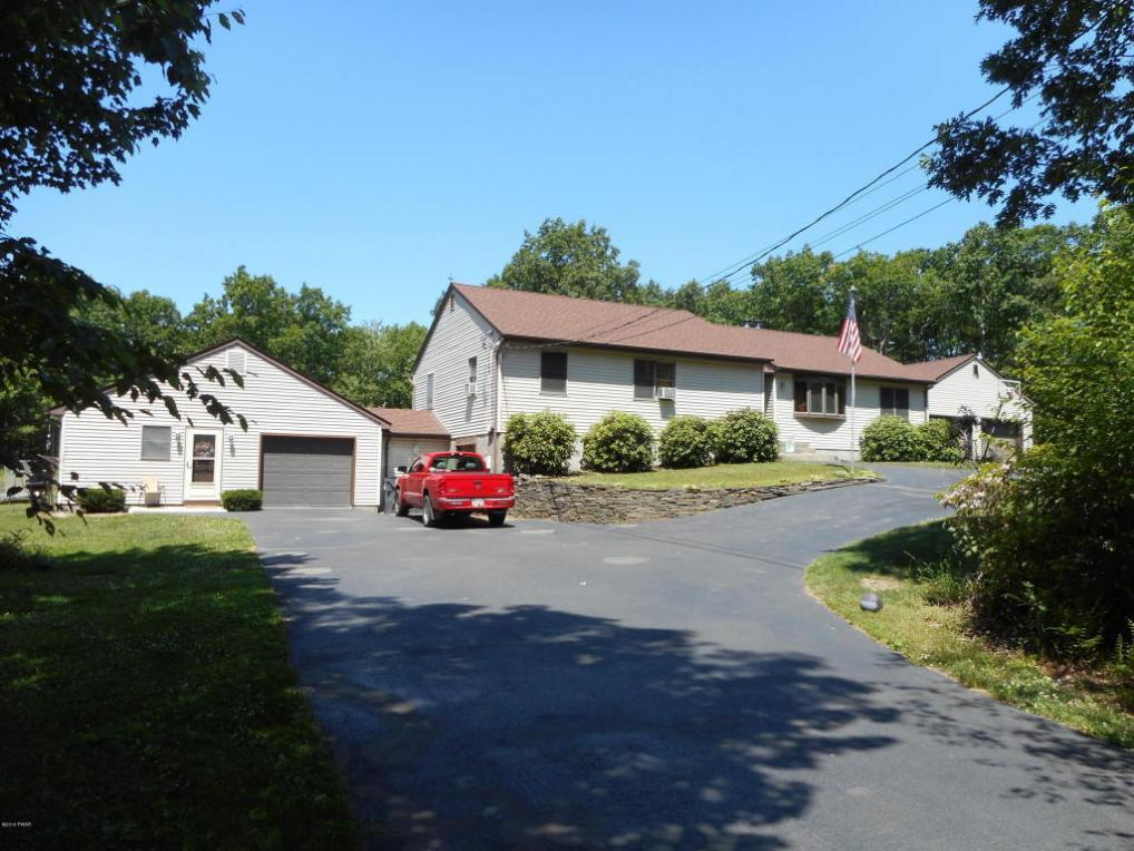 415 Little Walker Rd, Shohola, PA 18458