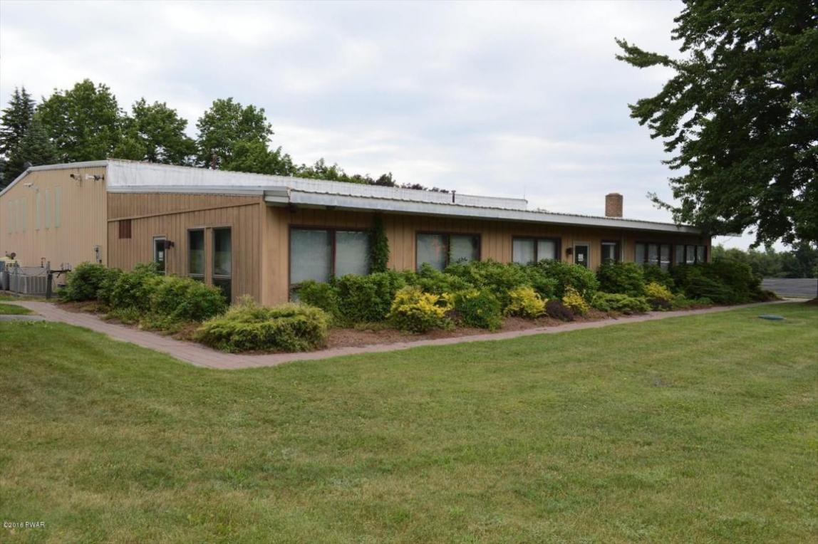 366C Spring Hill Rd, Moscow, PA 18463