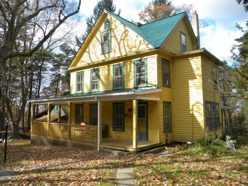131 Brooks Cabin Rd, Shohola, PA 18458