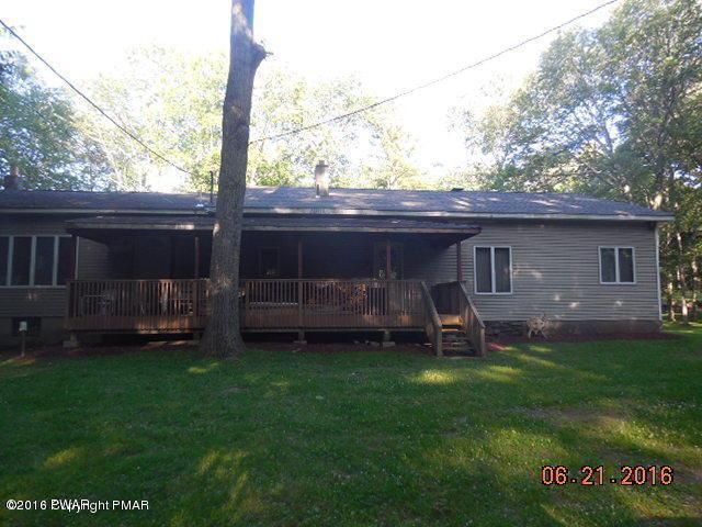 1065 Krump Rd, Bushkill, PA 18324