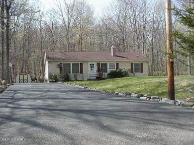 132 Oak Hill Rd, Hawley, PA 18428