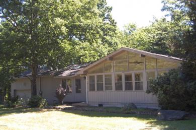 119 Boulder Drive, Lords Valley, PA 18428