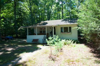 Photo of 108 Old Oak Rd, Tafton, PA 18464