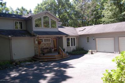 Photo of 121 Willow Drive, Lords Valley, PA 18428