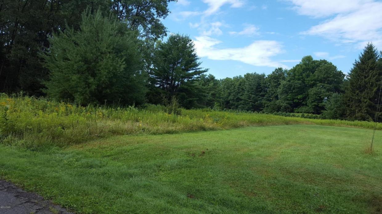 27 Meadows, Hawley, PA 18428