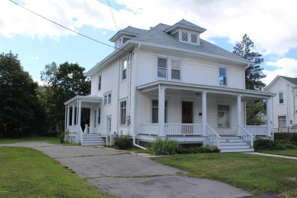 306 W Harford St, Milford, PA 18337