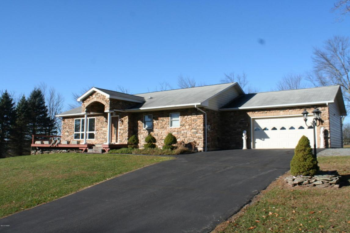83 Edward Rd, Beach Lake, PA 18405