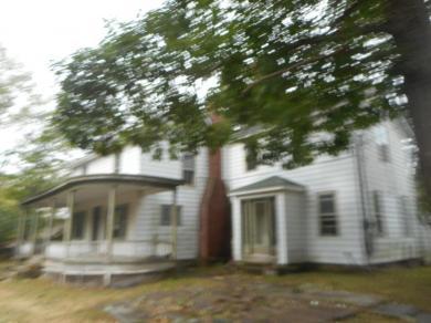 215 Cromwell St, Hawley, PA 18428