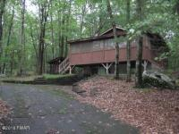 141 Forest Dr, Hawley, PA 18428