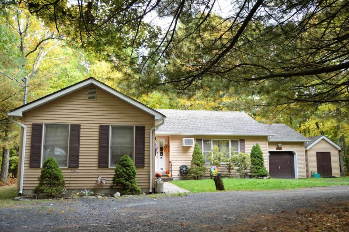 138 Lake Forest Dr, Dingmans Ferry, PA 18328