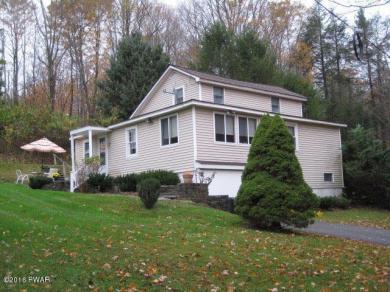 997 Upper Woods Rd, Honesdale, PA 18431
