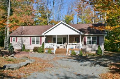 Photo of 1177 Lakeland Dr, Lake Ariel, PA 18436