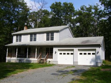 217 Lower Lakeview Dr, Hawley, PA 18428