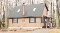 129 Mountain Dr, Greentown, PA 18426