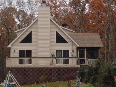132 Cottonwood Dr, Hawley, PA 18428