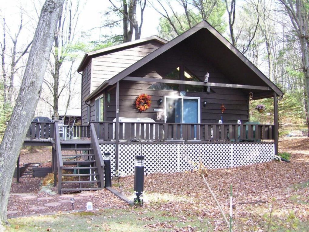 103 Ivywood Ln, Paupack, PA 18451