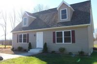 107 Pleasant Dr, Greentown, PA 18426