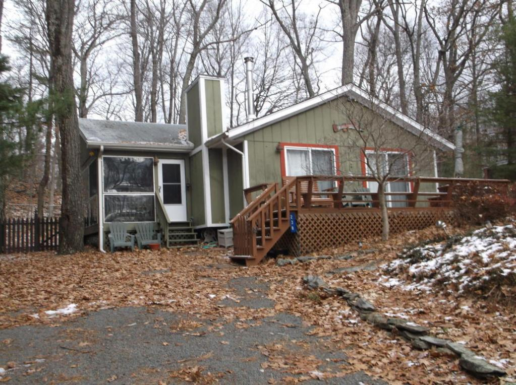 238 Mountain Lake Dr, Dingmans Ferry, PA 18328