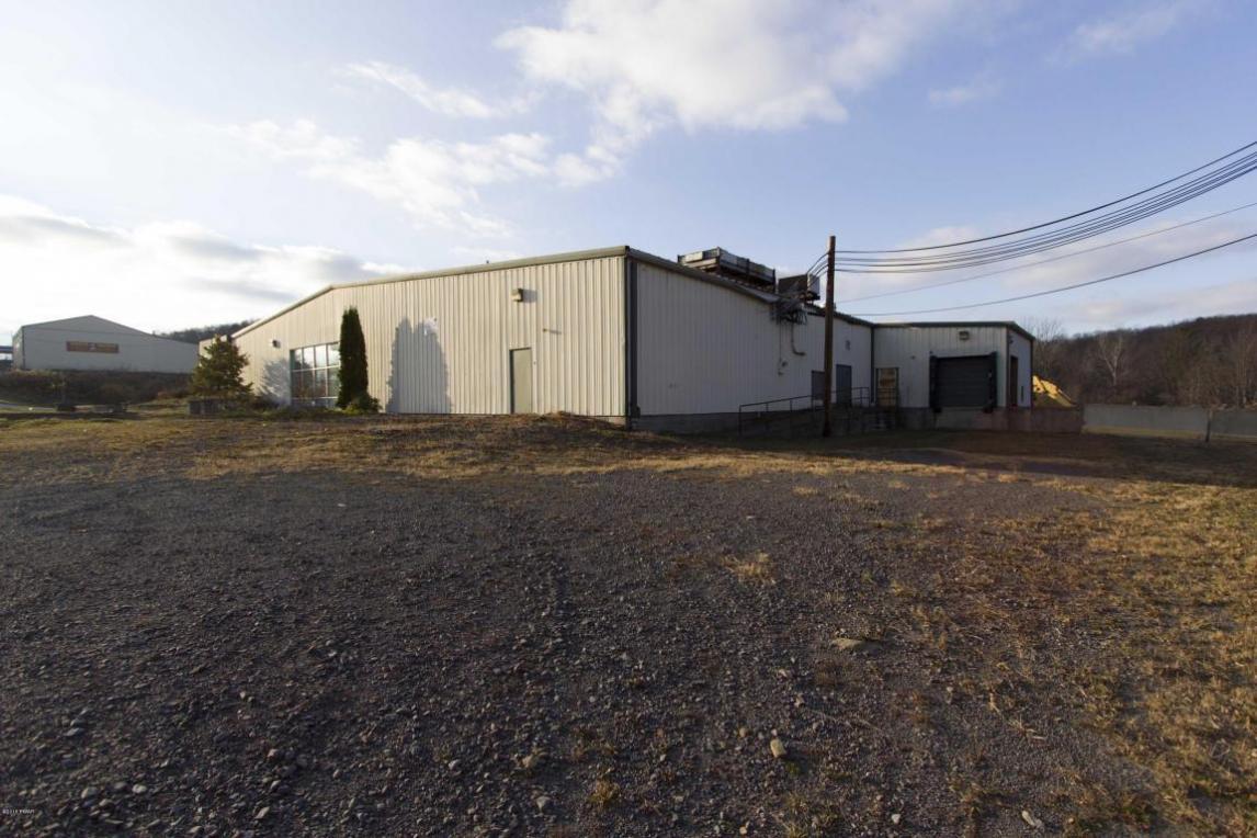 1211 Mount Cobb Rd, Jefferson Township, PA 18436