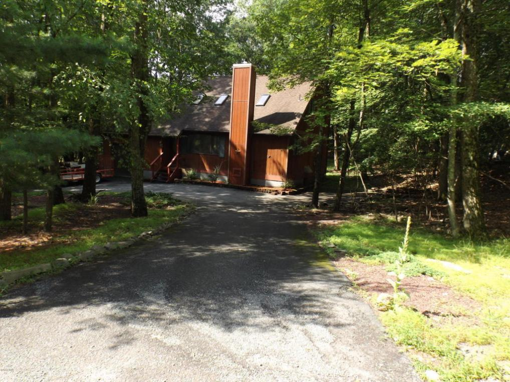 105 Sunset Dr, Milford, PA 18337