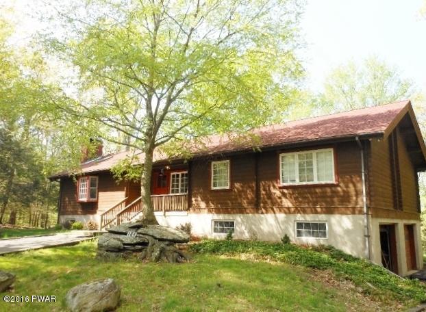 104 Pond View Ln, Greentown, PA 18426